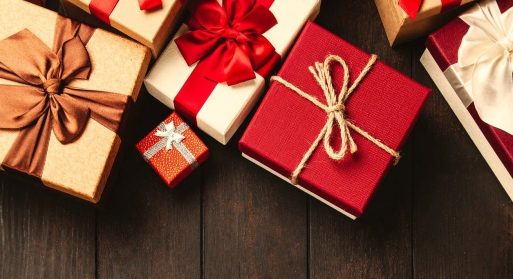 Retailer's Holiday Checklist | Linked Retail Ecommerce Consulting Services